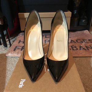 Christain Louboutin So Kate Pumps